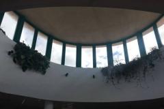 interior traga luz-biblioteca caleafell