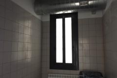 Corredera aluminio con rotura de puente termico, vidrio 3+3/16/3+3mate. Cerradura multipunto y manetas acodadas.